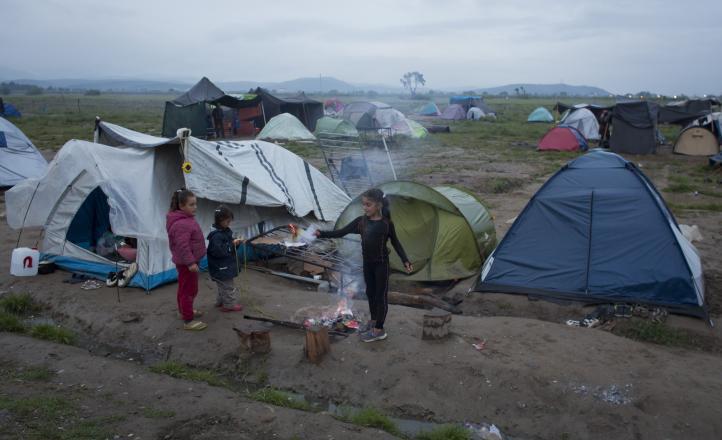 Varados en Grecia miles de refugiados expulsados de países europeos