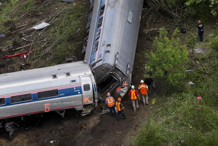 Conductor del tren que descarriló en Filadelfia no recuerda accidente