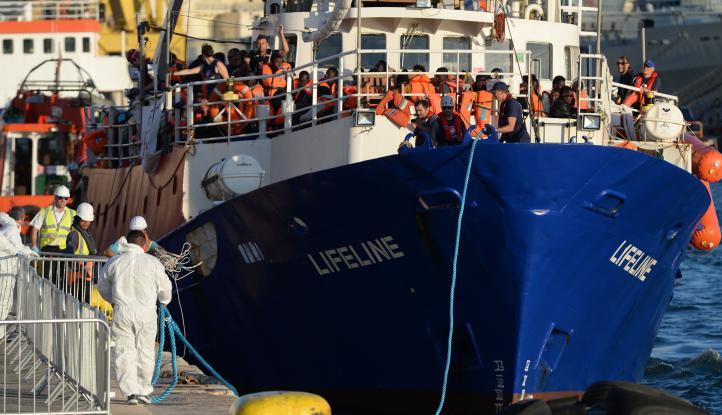Malta recibirá barco 'Lifeline' con 200 migrantes