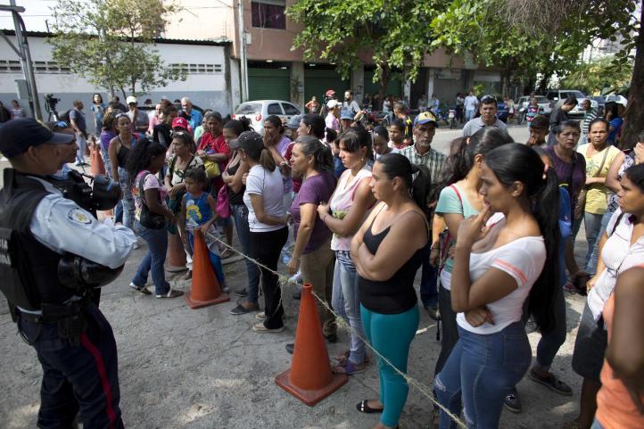 Venezuela: Piden investigación por muertes en centro de policía