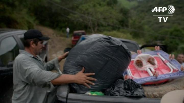 Residentes de Sinaloa y Durango abandonan sus hogares; temen fuego cruzado