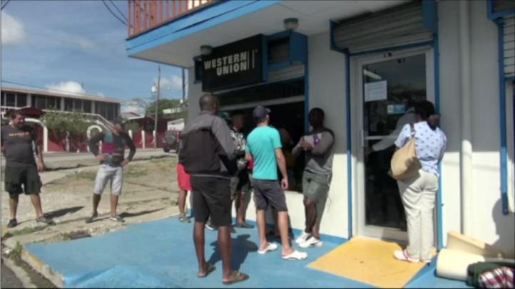 Cubanos varados llegan a México