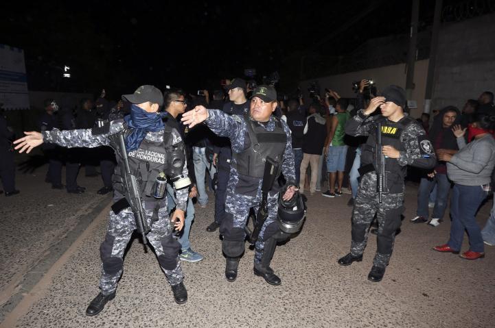 Rebelión policial añade tensión tras comicios en Honduras