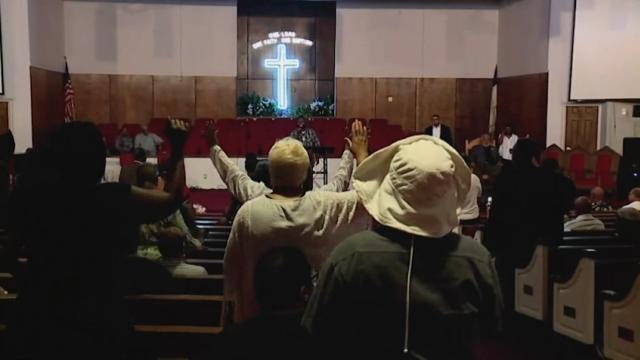 Realizan vigilia por Aretha Franklin en iglesia en Detroit