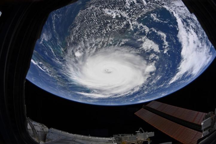 """Imponente el huracán """"Dorian"""" visto desde la EEI"""