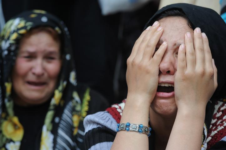 Familias turcas sepultan a mineros; la cifra de muertos aumentó a 282