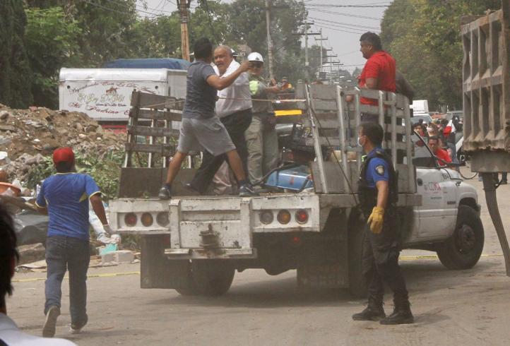 Pobladores de San Gregorio confrontan a delegado de Xochimilco