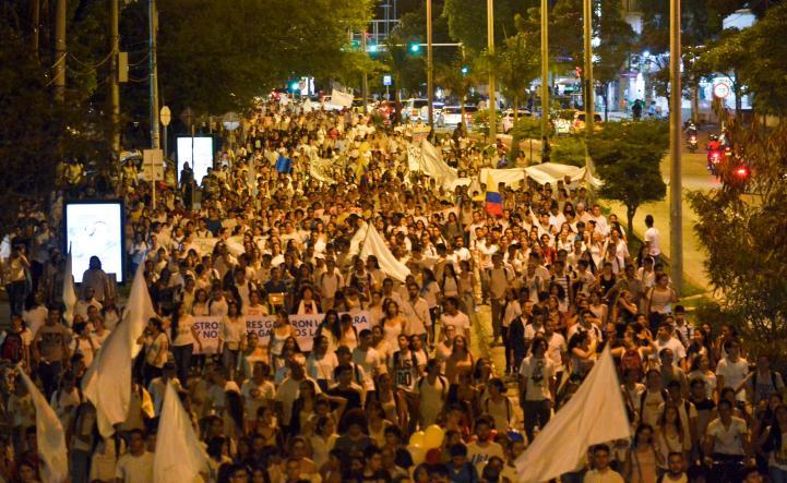 Marchan en Colombia por la paz