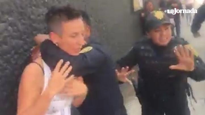 """""""Los policías se pasaron de listos con los migrantes"""": vendedora, testiga de la agresión de los agentes capitalinos"""