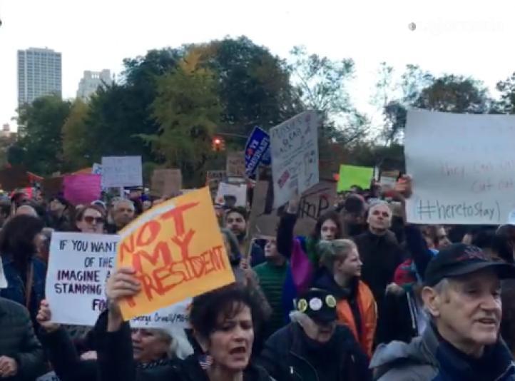 'No es mi presidente' . Salen a las calles en NY por quinto día consecutivo