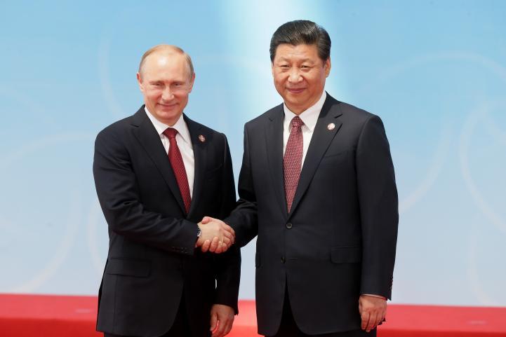 China y Rusia firman contrato de suministro de gas por 400 mil mdd