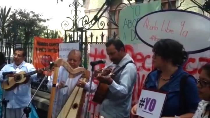 Activistas protestan contra reforma antiaborto en Veracruz