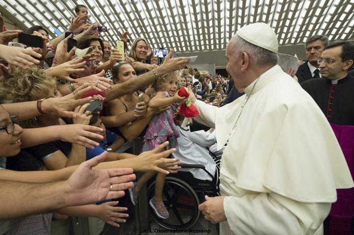Papa pide mejor trato para divorciados