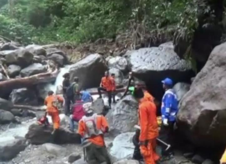 Inundaciones en Indonesia dejan un saldo de 17 personas muertas