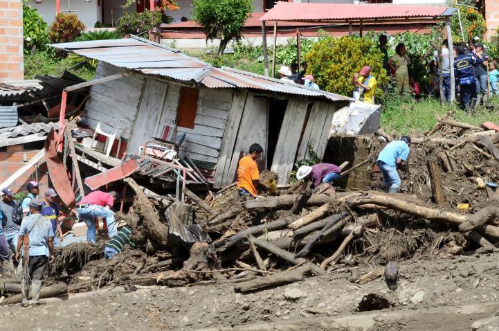 Aluvión en Colombia deja decenas de muertos y desaparecidos