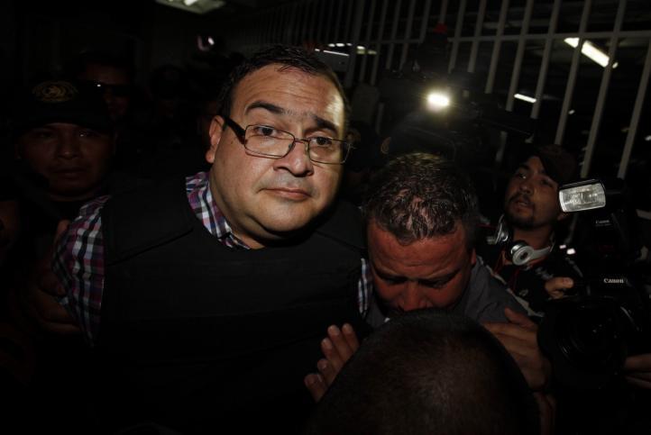 Llega Javier Duarte a tribunal para diligencia