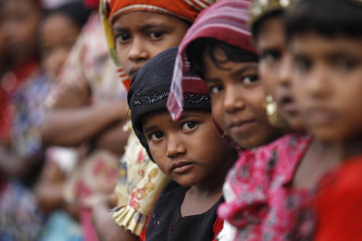 Malasia ordena rescatar a migrantes en el mar