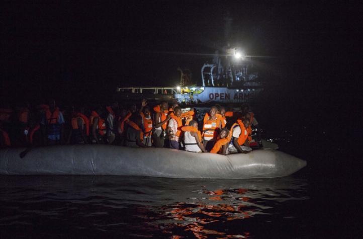 Comisión Europea busca asilo para migrantes del 'Aquarius'