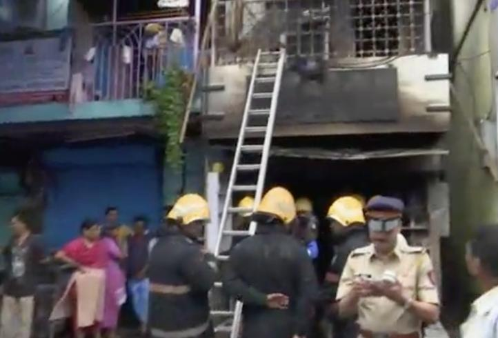 Ocho personas mueren en un incendio en Bombay
