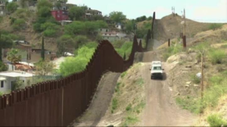 Trump quiere muro solar en la frontera con México