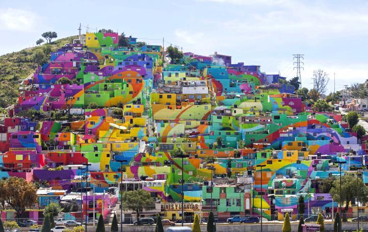 Barrio de Pachuca se transforma en enorme mural colectivo
