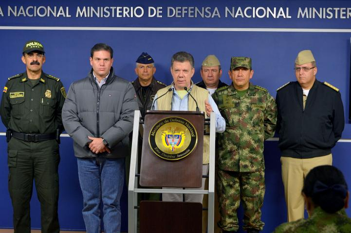 Colombia suspende diálogos de paz con las FARC