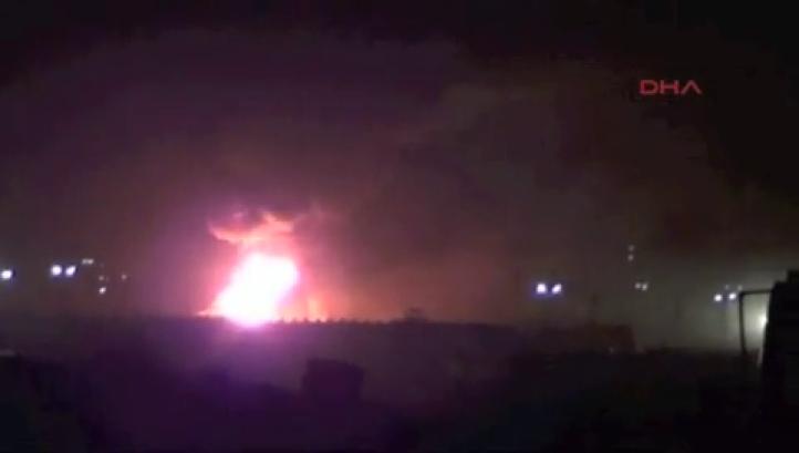 Ataque aéreo contra refinería controlada por el EI