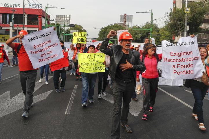 Protestan damnificados inconformes con la respuesta de las autoridades