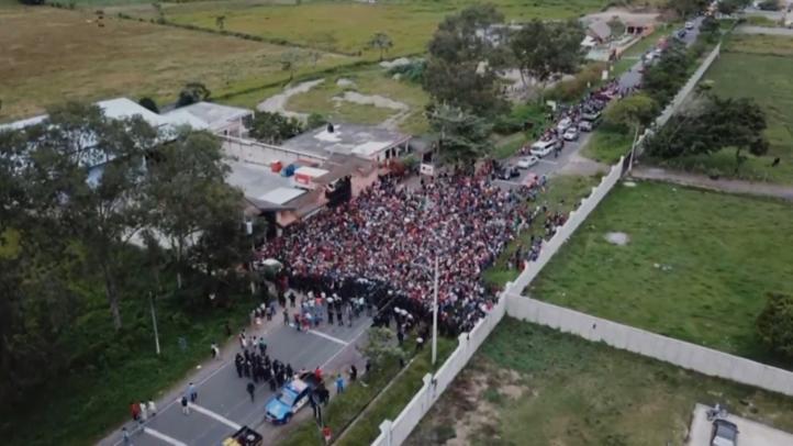 Caravana migrante continúa su avance por México