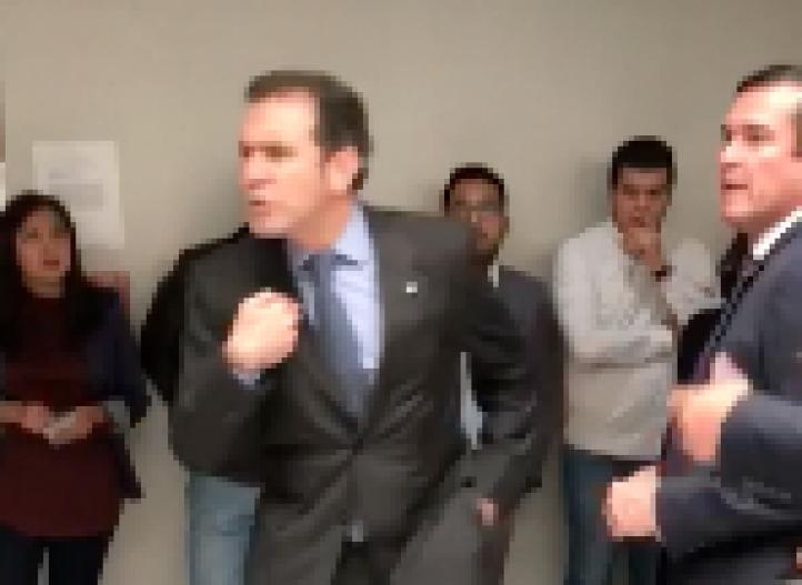 Recorte del INE confronta a Córdova con representantes del PRI y del PAN