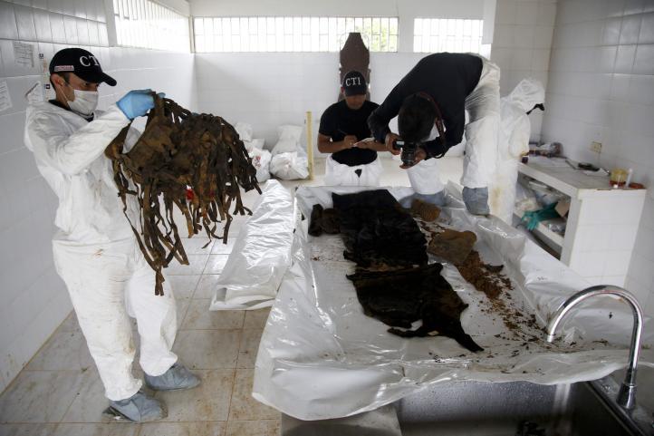 Colombia exhuma su pasado en ex bastión guerrillero
