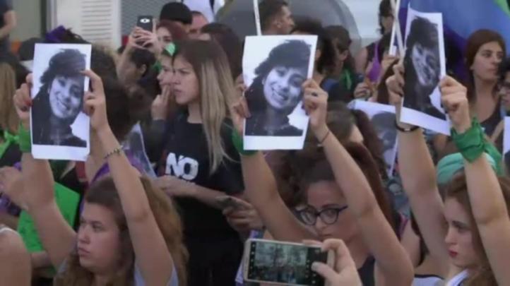 Argentinas protestan contra fallo que niega feminicidio