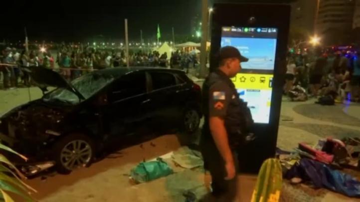 Muere bebé entre los 17 atropellados en playa de Río