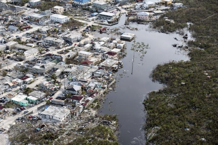 Llega ayuda humanitaria a las islas Turcas y Caicos