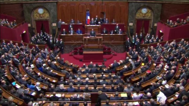 Hollande anuncia más operaciones en Siria