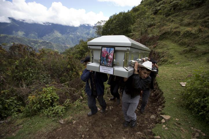Entierran al menor guatemalteco que murió en Texas al cruzar  frontera