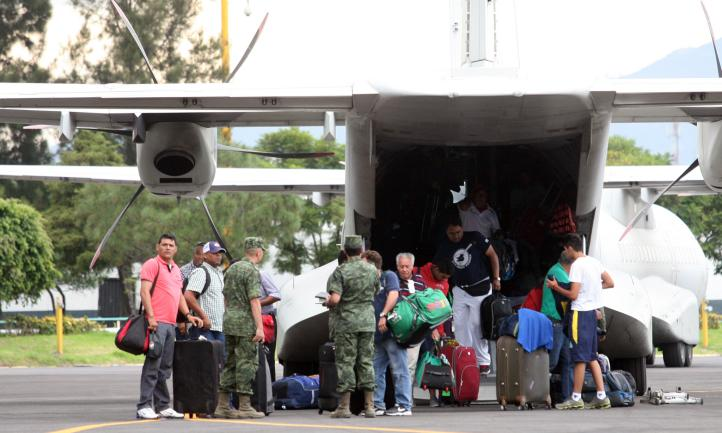 Turistas de Los Cabos narran experiencia durante el huracán Odile