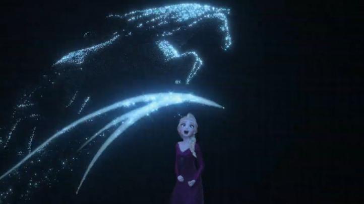 """Anna y Elsa viajan fuera del reino en """"Frozen 2"""""""