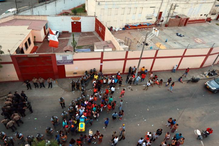 Cinco muertos durante incendio en centro de rehabilitación juvenil de Perú