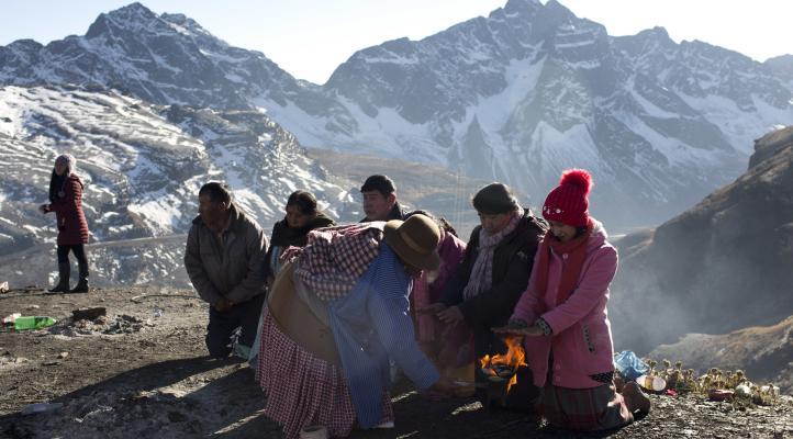 Andinos bolivianos inician mes de la 'Pachamama'