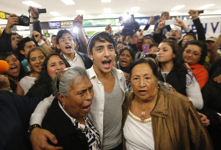 Reciben en México a Adán Cortés, expulsado de Noruega
