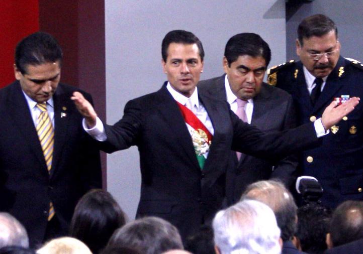 Anuncia Peña Nieto nuevo aeropuerto capitalino