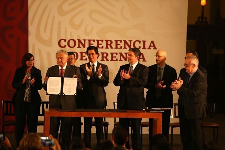 Anuncia AMLO plan de apoyo financiero para Pemex