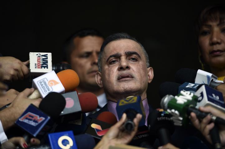 Fiscal pide prohibir salida de Venezuela a Juan Guaidó