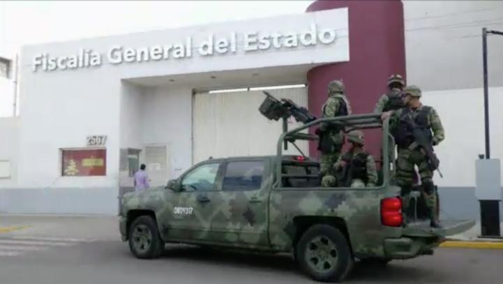 Detienen en Jalisco a 10 sujetos que trasladaban cadáveres.
