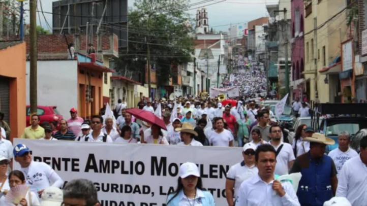 Integrantes del Frente Amplio Morelense marcharon contra Graco Ramírez