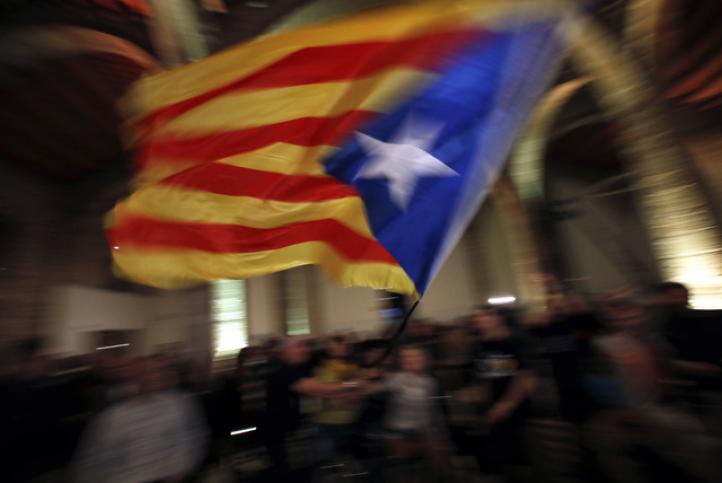 Cataluña vota en elecciones clave para su futuro