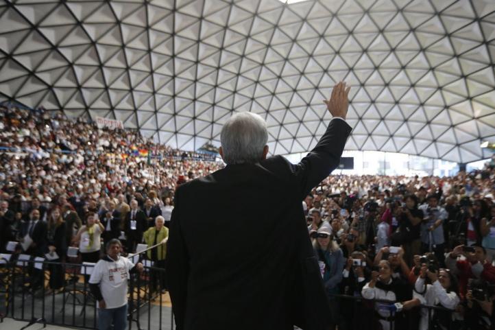 AMLO da el grito en Congreso Nacional de Morena