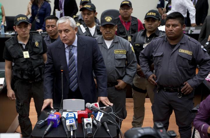 Pérez Molina niega participar en red de corrupción