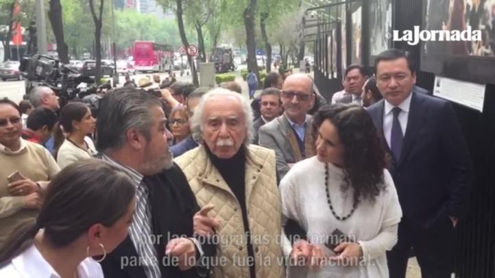 """Inauguran exposición """"34 años de La Jornada en treinta y cuatro fotografías clásicas"""""""
